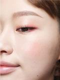 内双眼线怎么画 简单一笔画出大眼眸(图)