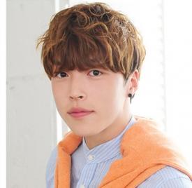 韩国男生流行的发型,韩国男生流行什么发型,2016韩国男生最潮发型