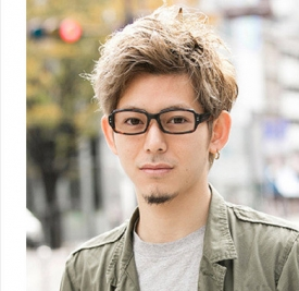 男生戴眼镜适合什么发型,男生戴眼镜适合的发型,男生戴眼镜发型图片