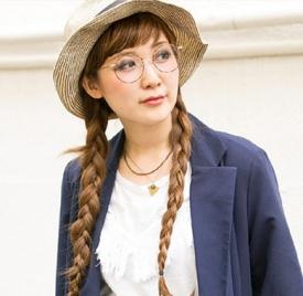 戴眼镜适合什么发型,戴眼镜适合什么样的发型,戴眼镜适合的发型图片