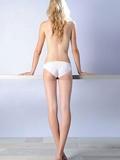 提臀运动怎么做,提臀运动图解,提臀的运动图解