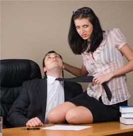隐私实录:办公室暧昧偷吃禁果 那女人逼我结婚我该怎么办
