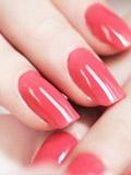夏日美甲图 显手白的指甲油颜色