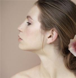 假体隆鼻多久能恢复,假体隆鼻多长时间恢复,假体隆鼻恢复期多久