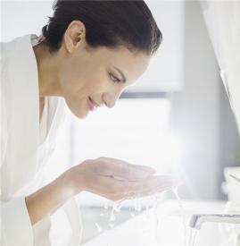 开眼角后多久可以洗脸,开眼角多久能洗脸,开眼角多长时间能洗脸
