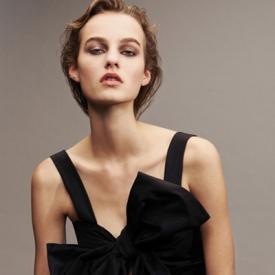 秀霸超模Maartje登《Vogue》杂志 完美演绎熟女魅惑
