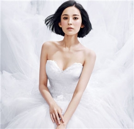 古力娜扎清纯白纱照颜美气质佳