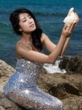 """女星李凤鸣夏日写真袭来 打造""""人鱼公主"""""""