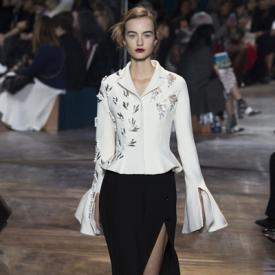 Christian Dior春夏高定秀场 随性自然彰显摩登时尚