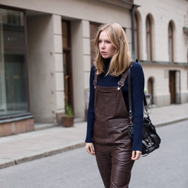 Elin Kling:背带穿出成熟气质