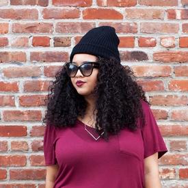 Gabi Gregg:毛线帽与破洞牛仔裤凹出街头范
