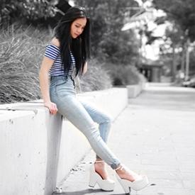 Chloe Ting:烟灰蓝慵懒夏日搭配